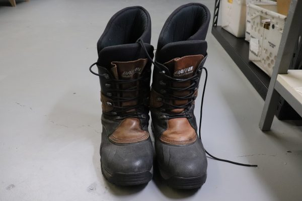 brown-polar-baffin-boots